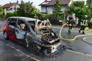2015-05-26-Fahrzeugbrand_02
