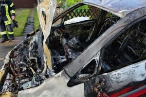 2015-05-26-Fahrzeugbrand_03